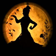 MWS shadow dancing as a growing plant under the moonlight. from the production: Dreaming Life Shadow Theater, Tall Tales, Growing Plants, Light And Shadow, Dream Life, Moonlight, Dancing, Shadow Play, Dance