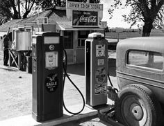 1940 Gas Station, Arvin, California Vintage/ Old Photo x Reprint Kern County California, Chevron Gas, Co Op Store, Used Car Lots, Vintage Gas Pumps, Gas Service, Old Gas Stations, Forest Service, Dorothea Lange
