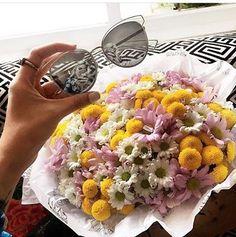 Não existe data para presentear quem amamos! Que tal esse mimo para surpreender seu #love ❤️ #dior #sideral #flores #oticaswanny #domingo