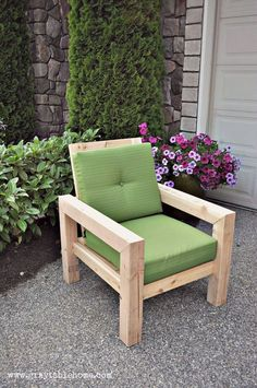 Pallets Outdoor Furniture DIY Modern Rustic Outdoor Chair plans using outdoor cushions from Target. Outside Furniture, Outdoor Furniture Design, Diy Garden Furniture, Porch Furniture, Pallet Furniture, Furniture Projects, Rustic Furniture, Office Furniture, Furniture Stores