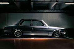 BMW E21 3 series silver