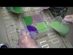 savon à 4 mains - YouTube