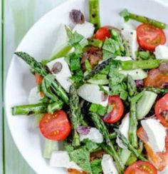 The perfect salad for spring! Just 162 calories and a whopping 24 g of protein!   via SparkPeople #diet #nutrition #recipe http://itz-my.com
