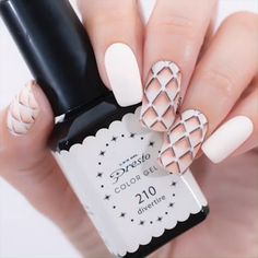NAIL ART Perfect art work like the one done on these nails is goals!Perfect art work like the one done on these nails is goals! Yellow Nails Design, Yellow Nail Art, Essie Nail Colors, Nail Polish Colors, Best Nail Art Designs, Nail Polish Designs, Cute Nail Polish, Nail Design Video, Nail Art Videos