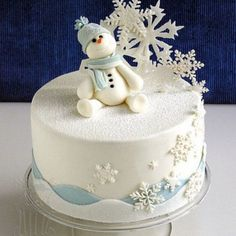 Holiday Desserts That Are Almost Too Cute to Eat Winter Snowman Cake - Christmas Cake - Snowflake Cake - Christmas Dessert - Winter DessertWinter Snowman Cake - Christmas Cake - Snowflake Cake - Christmas Dessert - Winter Dessert Christmas Cake Designs, Christmas Cake Decorations, Christmas Cupcakes, Christmas Sweets, Holiday Cakes, Holiday Desserts, Christmas Baking, Xmas Cakes, White Christmas
