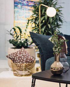 Morgen is je laatste kans om kerstcadeautjes te kopen zeg niet dat we je niet gewaarschuwd hebben!  Wat denk je bijvoorbeeld van de vazen van @skultuna en @lobmeyr of een mooie mand van @korbobaskets? . . . #korbobaskets #skultuna #lobmeyr #homeinspo #roominspiration #interiordesign #interiorinspiration #binnenkijken #interior123 #interiorcrush #interiordeco #interiormagasinet #interiorporn #interiorhome #interiorblog #interiorforyou #interiorgoals #interiors4all #interiorjunkie… Interior Design Inspiration, Finding Yourself, Basket, Table Decorations, Instagram Posts, Beautiful, Home Decor, Decoration Home, Room Decor