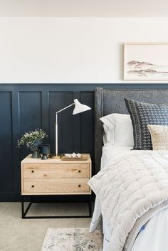 37 Unique Small Guest Bedroom Designs Ideas To Make Them Like At Own Home - 37 . 37 Unique Small G Rustic Bedroom Design, Farmhouse Bedroom Decor, Master Bedroom Design, Home Bedroom, Bedroom Furniture, Bedroom Designs, Gray Bedroom, Shabby Bedroom, Cottage Bedrooms