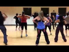 Zumba Dance Fitness: Scream and Shout by Will I am - YouTube