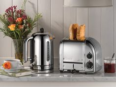 The 2 slice Classic 'NewGen' toaster from Dualit is hand made in the UK with fully repairable or replaceable parts. Featuring the patented ProHeat element for fast, even toasting, a bagel setting and the option to...