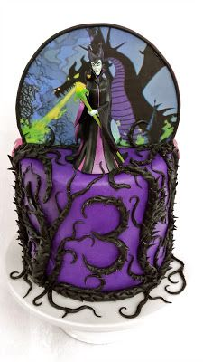 Maleficent cake – For all your cake decorating supplies, please visit craftcompa… - Cake Decorating Blue Ideen Maleficent Party, Sleeping Beauty Cake, Villains Party, Little Girl Birthday, 2nd Birthday, Birthday Ideas, Movie Cakes, Fantasy Cake, Cake Blog