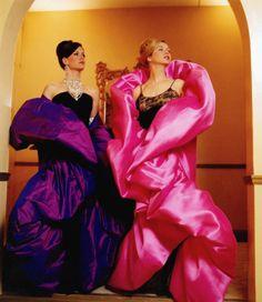 Sarah Paulson and Renee Zellweger - Evening wear Down With Love, Hollywood Costume, Renee Zellweger, Beatnik, Film Serie, Girl Dancing, Costume Design, Role Models, Leather Jacket