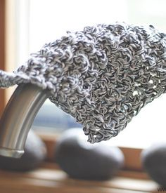 Grayscale Beginner's Crochet Dishcloth | This is one of the best crochet dishcloth patterns to test out as a beginner, and the gray, white, and black color scheme will go great with any kitchen!