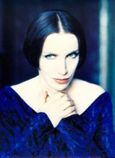 Annie Lennox Don Mclean, Martina Mcbride, Annie Lennox, Women In Music, Band Pictures, Amy Winehouse, Post Punk, Like Fine Wine, Just Smile