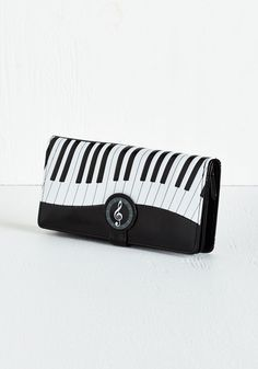 Keys to Spending Wisely Wallet | Mod Retro Vintage Wallets | ModCloth.com