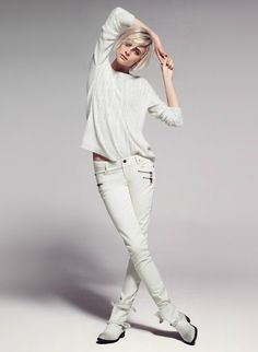 Winter White from Mango's Fall 2012 Look Book Fashion Editor, Fashion News, Fashion Outfits, Womens Fashion, Fashion Trends, Casual Chique, Fall Lookbook, All White Outfit, Winter White