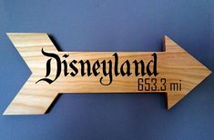 Which Way To Disney? Just Check This Sign Post! Sometimes we all just need to find our way back to Disney. Whether you prefer the West Coast and the lure of Disneyland, or the sunny Florida days at Walt Disney Wall Decor, Disney Home Decor, Disney Crafts, Diy Disney Decorations, Disney Dorm, Disney Sign, Disney House, Disney Playroom, Disney Names
