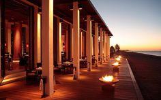 Luxury 5 Star Muscat Beach Hotel & Resort in Oman Oman Hotels, Hotels And Resorts, Luxury Hotels, Sharjah, Best Hotel Deals, Best Hotels, Abu Dhabi, Last Minute Reisen, Chedi Hotel