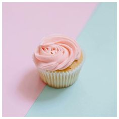 Freshly baked, ... waiting for you! #thecupcakequeens #cupcakespoils