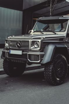 Afbeelding via We Heart It #black #cars #luxurious #luxury #mercedesbenz #OMG