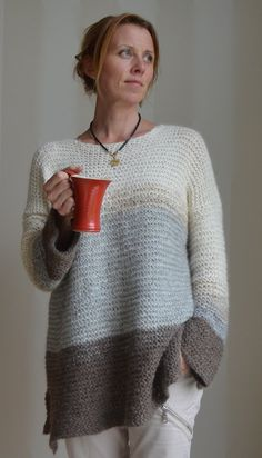 Lungo astrid&mia - Free sweater pattern in swedish Knitting Patterns, Crochet Patterns, Knit Fashion, Knit Or Crochet, Crochet Clothes, Pulls, Hand Knitting, Knitwear, Sweaters