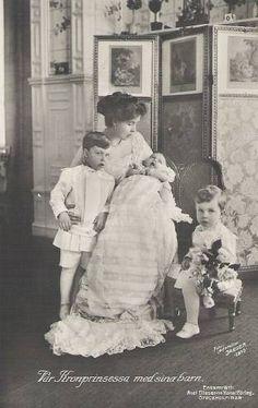 Kronprinzessin Margarete von Schweden, Crownprincess of Sweden 1910 Royal Families Of Europe, British Royal Families, Princess Louise, Princess Margaret, Images Of Princess, Kingdom Of Sweden, Queen Of Sweden, Swedish Royalty, Casa Real
