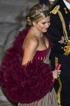 Maxima teamed the ruby tiara with a fabulous red and silver gown, with matching stole Queen Of Netherlands, Kate Middleton Outfits, Silver Gown, Royal Clothing, Royal Dresses, Queen Maxima, Royal Fashion, Evening Dresses, Glamour