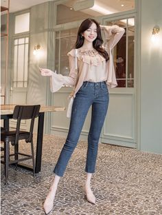Source by fashion idea Korean Casual Outfits, Korean Outfit Street Styles, Korean Fashion Dress, Korean Street Fashion, Ulzzang Fashion, Simple Outfits, Classy Outfits, Asian Fashion, Look Fashion