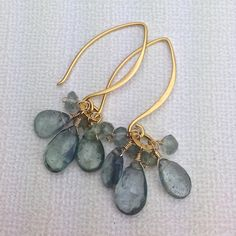 1x1.trans Moss Aquamarine Cluster Drop Earring on 24kt Gold Vermeil Earwires, Item 786