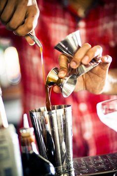 Bartender #bartender #bartending #drinks #cocktails #howtobebartender…