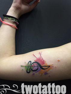 TwoTattoo | Tatuaje Clave de sol acuarela Color