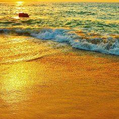 【kobutachan531_trip】さんのInstagramをピンしています。 《. . そろそろ 旅行の計画立てたい〜 . . ちょっと 久々韓国にも行きたい気分(人´3`*) . . . . #宮古島#離島#旅#女子旅#砂山ビーチ#サンセット#ファインダー越しの私の世界#写真撮ってる人と繋がりたい #海#最高#沖縄#絶景#景色#カコソラ #trip#travel#canon#greattime#island#sea#Lovers_Nippon#sunset #view#landscape#Japan#EOS70D#IGersJP#TheWorldGuru》