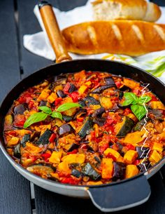 Zeina, Baguette, Paella, Bon Appetit, Zucchini, Diet, Ethnic Recipes, Kitchen, Food