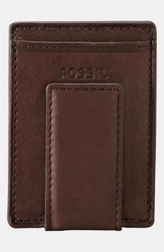 Free shipping and returns on Fossil 'Ingram' Leather Magnetic Money Clip Card Case at Nordstrom.com. A smart magnetic money clip fronts a slim wallet crafted from grained leather.