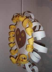 This craft uses simple supplies every children's ministry probably has on hand. It is used to teach children about how Jesus is both the Lion and the Lamb. It can be spread out over two lessons o... Spring Projects, Spring Crafts, Art For Kids, Crafts For Kids, Arts And Crafts, Classroom Crafts, Preschool Crafts, Lamb Craft, Paper Plate Crafts