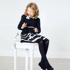 Mode enfant Baby Dior : Robe noire en molleton et Ballerines noires Cannage Dior sur du poulain rasé