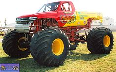 Monster truck pictures and information in a monster truck photo album which consists of over 850 full sized Monster truck 4x4 Trucks, Lifted Trucks, Chevy Trucks, Truck And Tractor Pull, Tractor Pulling, Big Monster Trucks, Monster Jam, Rc Buggy, Old Tractors