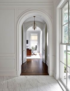 Office design by jenkins interiors arch hallway marble floor Entryway Lighting, Entryway Decor, Entryway Ideas, Hallway Ideas, Entryway Flooring, Flur Design, Arch Doorway, Home Modern, Modern Entryway