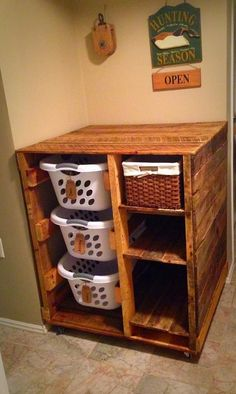 Laundry Basket Dresser (with shelves) Small Laundry Rooms, Laundry Room Storage, Diy Pallet Projects, Storage Organization, Organizing Ideas, Liquor Cabinet, Easy, Table, House