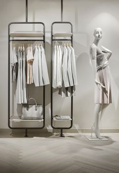 27 Ideas For Clothes Store Layout Design Boutique Interior, Design Boutique, Retail Interior Design, Showroom Design, Retail Store Design, Fashion Shop Interior, Fashion Showroom, Retail Shop, Design Shop