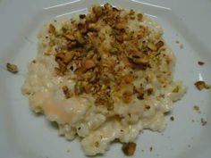 Receita de Risoto de cebola caramelizada com queijo brie e amêndoas - Tudo Gostoso