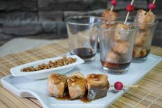 Prepara exóticas brochetas de salmón teriyaki con pipas caramelizadas