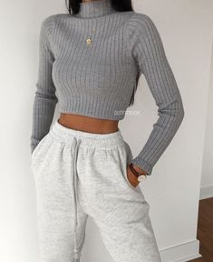 trendy outfits for school / trendy outfits ; trendy outfits for school ; trendy outfits for summer ; trendy outfits for women ; Hijab Casual, Lazy Outfits, Cute Comfy Outfits, Winter Fashion Outfits, Mode Outfits, Retro Outfits, Cute Casual Outfits, Look Fashion, Stylish Outfits