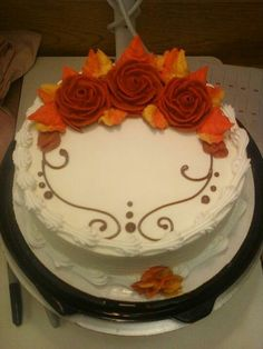 Five Gorgeous Fall Wedding Decorating Ideas – Bridezilla Flowers Cake Decorating Techniques, Cake Decorating Tips, Cookie Decorating, Buttercream Cake Designs, Buttercream Decorating, Dairy Queen Cake, Sheet Cake Designs, Fall Cakes, Fall Theme Cakes