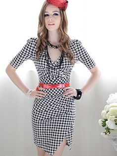 Decorated with houndstooth pattern,this dress is very attractive.Contracted, atmospheric board type.This dress can show your elegance perfec...