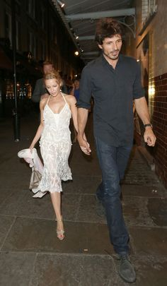 Kylie Minogue Photos - Kylie Minogue and Andres Velencoso in London - Zimbio