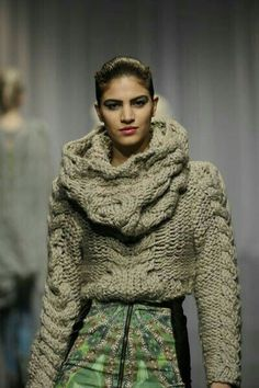 Best Inspirational Stylish Sweaters For Fall Or Winter Knitwear Fashion, Crochet Fashion, Mode Crochet, Knit Crochet, Knit Art, Trends 2018, Big Knits, Knitting Designs, Mode Style