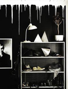 black, interior, style, shelf, via Lotta Agaton