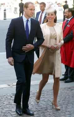 William and Kate arrive ahead of the ceremony, which will echo the service of 1953, seeing some of the same music performed