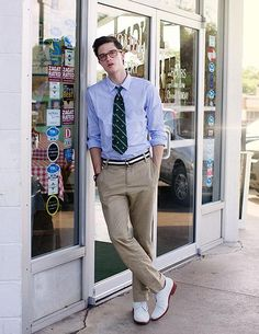 Unabashedly prep - the white buck style preppy, preppy boys, preppy outfits Style Preppy, Preppy Boys, Preppy Outfits, Fashion Outfits, Preppy Mens Fashion, Men Fashion Show, Mens Fashion Suits, Man Fashion, White Buck Shoes