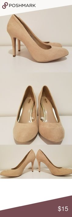 Mossimo nude heels Gorgeous nude high heels in faux suede. Women's size 8. Very gently used, only worn once. In excellent condition. Mossimo Shoes Heels